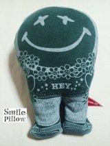 "Smile Pillow×デトアーライフ ""HEY"" 深緑×ブルー"